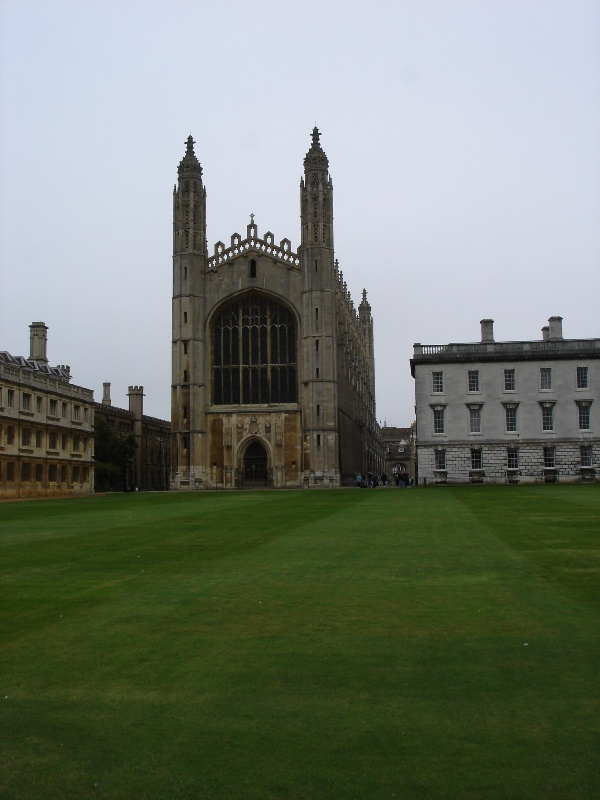 Finally, the front side of the King's College chapel. I looks much bigger in real.