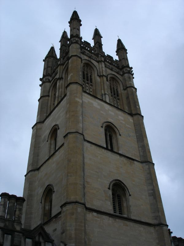 This is definitely a church tower. It seems that there must be hundreds of churches in Oxford.