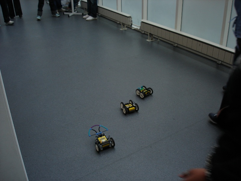When I was about to leave the uni, I found this. Ken Revett was introducing some kids to robotics...